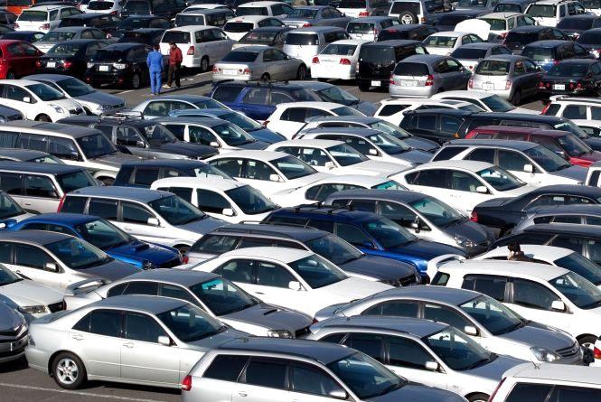 Президент підписав закон, який спрощує ввезення імпортних автомобілів до України