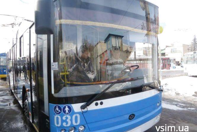 У середу, 23 травня, деякі хмельницькі тролейбуси возитимуть пасажирів безкоштовно