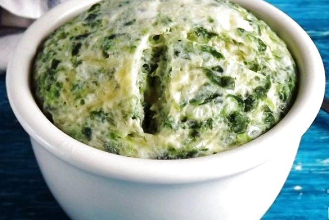 Смачний сніданок: готуємо паровий омлет зі шпинатом