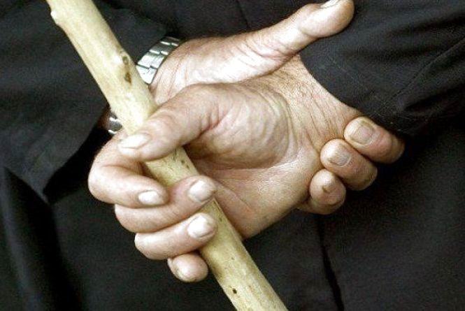 Переламав ребра і грудну клітку. Жителька Хмельниччини померла після нападу цивільного чоловіка