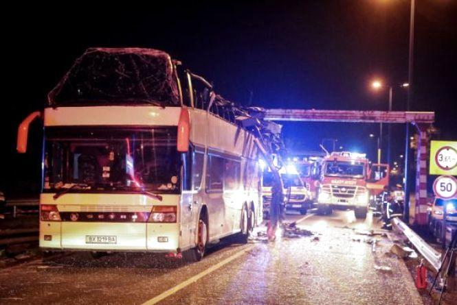Туристичний автобус їхав із Шепетівки: з'явилися нові подробиці жахливої ДТП в Угорщині