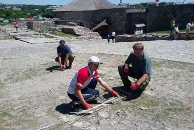 У Кам'янці археологи шукають стародавню церкву заховану під землею