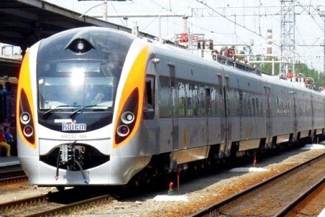 """Секрети економії від """"Укрзалізниці"""": коли квитки на поїзд найдешевші"""