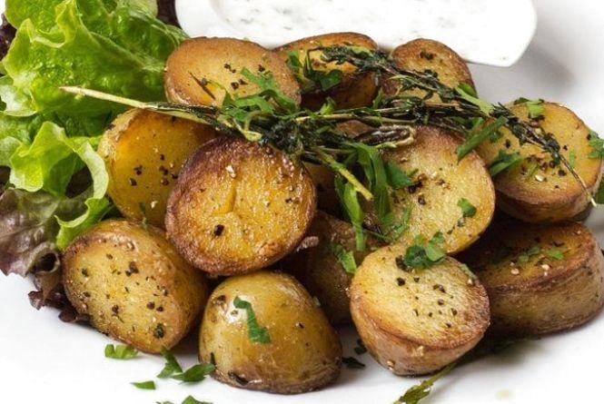 Рецепт вихідного дня. Готуємо молоду картоплю по-французьки