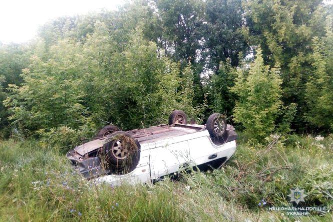 П'яний водій і перекинуте авто: в ДТП на Хмельниччині постраждали три людини