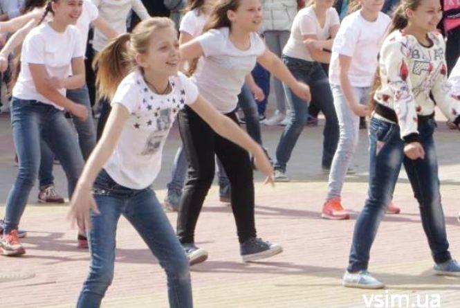 Біля кінотеатру Шевченка для дітей влаштують гулянку