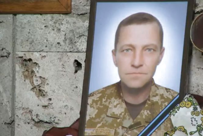 У Хмельницькому провели в останню путь військового Сергія Остапчука