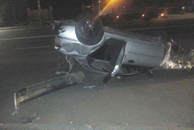 «Заліплений» водій і перекинуте авто: хроніка ДТП у Хмельницькому