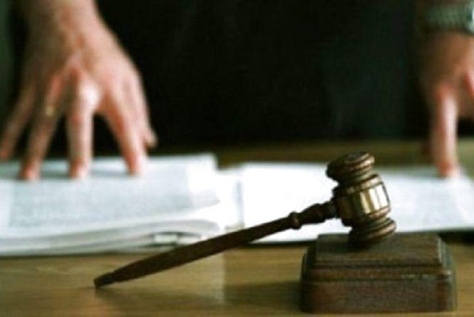 У Віньківцях судили чоловіків, які вкрали автозапчастин на понад 40 тисяч гривень