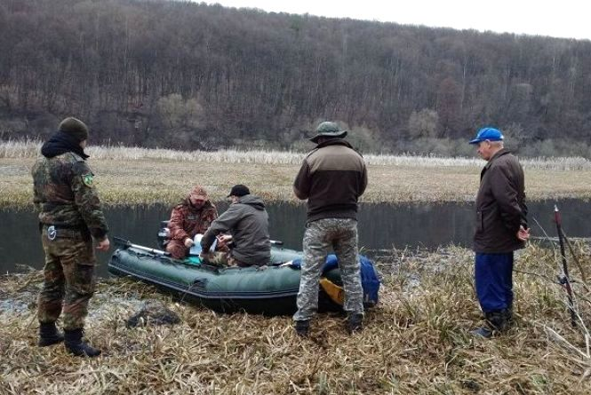 """""""Нерест - 2018"""": на Хмельниччині браконьєри наловили риби на понад 200 тисяч гривень"""