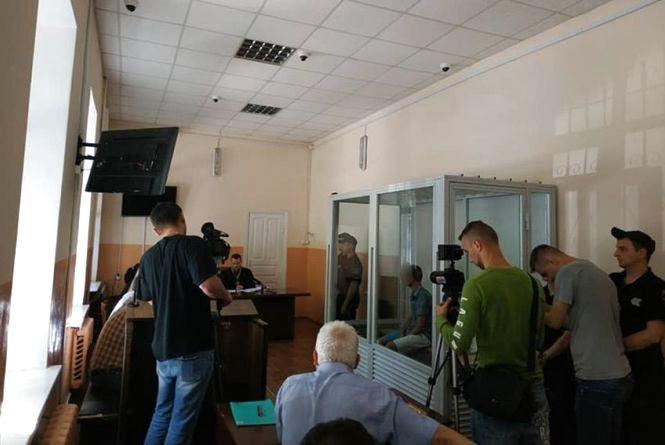 Купив зброю в інтернеті: підозрюваного у вбивстві таксиста поблизу Хмельницького відправили у СІЗО