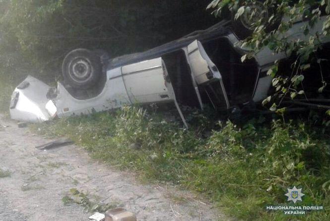 Троє дорослих та дитина постраждали внаслідок ДТП на Шепетівщині