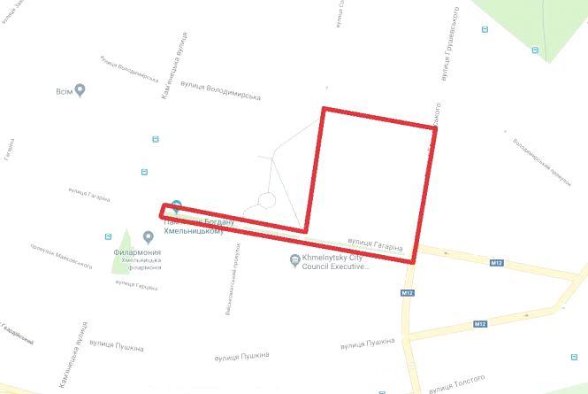 У центрі Хмельницького на 7 годин перекриють рух транспорту