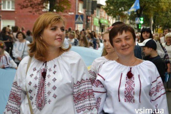 На День Незалежності у центрі Хмельницького влаштують парад вишиванок