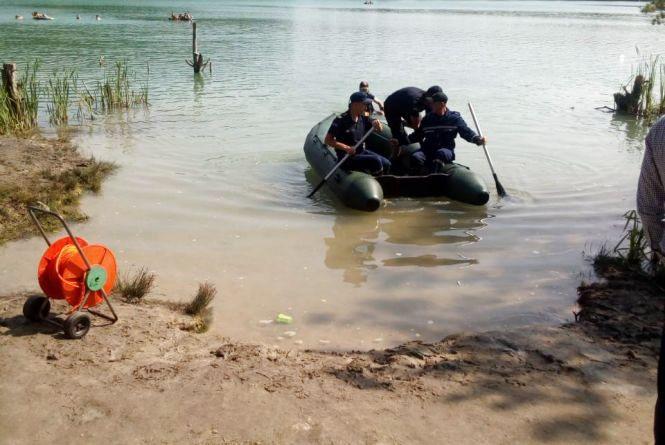 Майже добу шукали тіло 52-річного хмельничанина, який втопився під час купання у кар'єрі