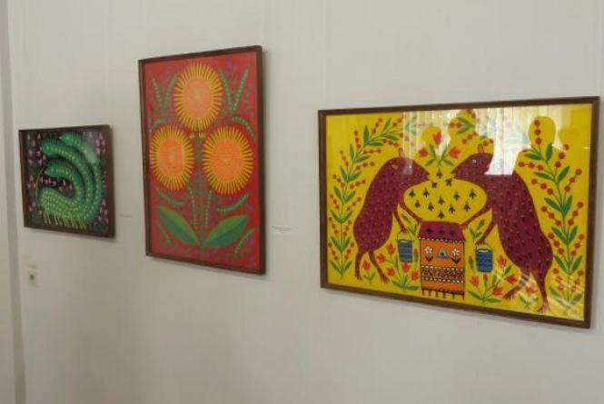 """""""Диво-звірі Марії Приймаченко"""": у художньому музеї відкрили виставку відомої художниці"""