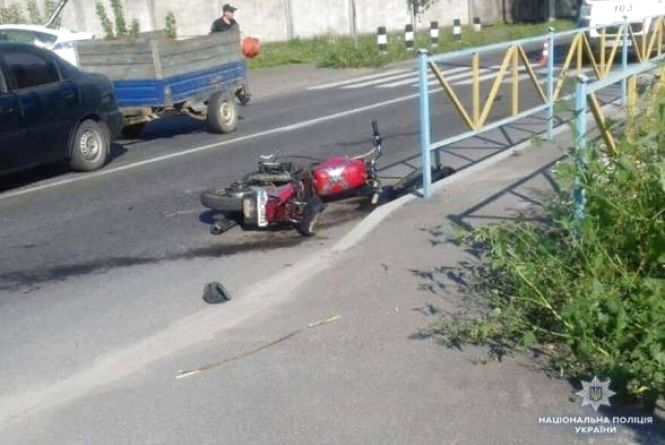 Смерть на дорозі і 6 п'яних водіїв за ніч: хроніка ДТП у Хмельницькому