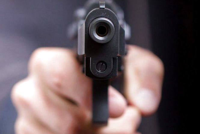 Не поділили пляж? 29-річного чоловіка підстрелили під час відпочинку на Дністрі