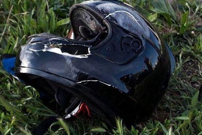 Неповнолітній мотоцикліст спричинив ДТП у Хмельницькому районі: постраждало двоє людей