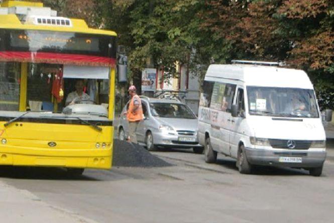 Протягом двох днів тимчасово не курсуватимуть тролейбуси до Ракового