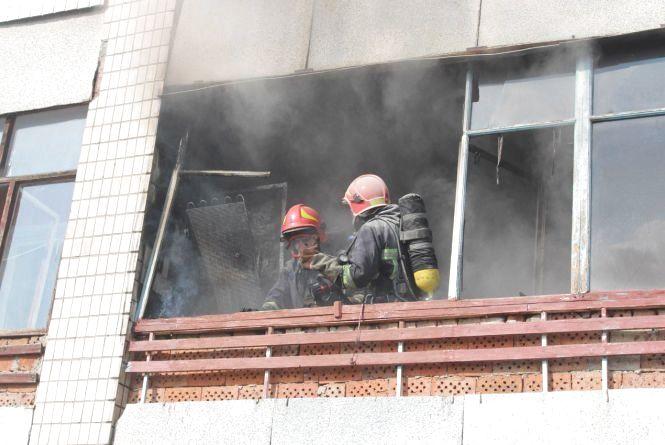 В Івано-Франківську трапилася пожежа на балконі житлової квартири
