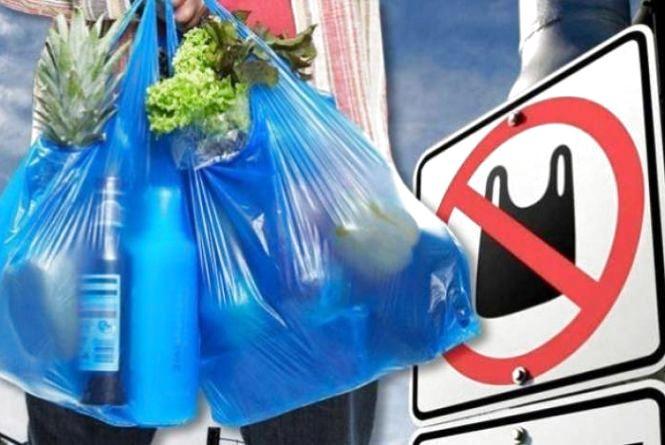 На базар лише з еко-торбою. У Хмельницькому можуть заборонити поліетиленові пакети