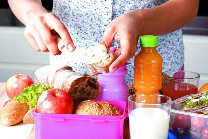 Шкільна їдальня, ланч-бокси чи перекус з магазину: чим харчуються хмельницькі школярі