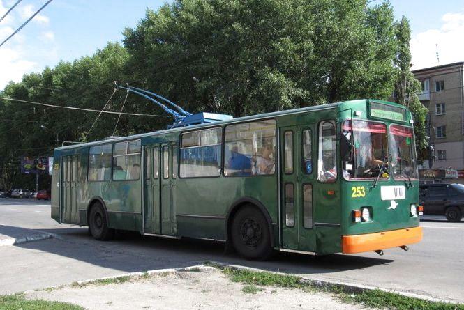 Ввечері на Зарічанській не ходитимуть тролейбуси