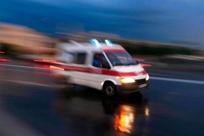 У Кам'янці Toyota в'їхала у мотоцикл: двоє людей потрапили до лікарні
