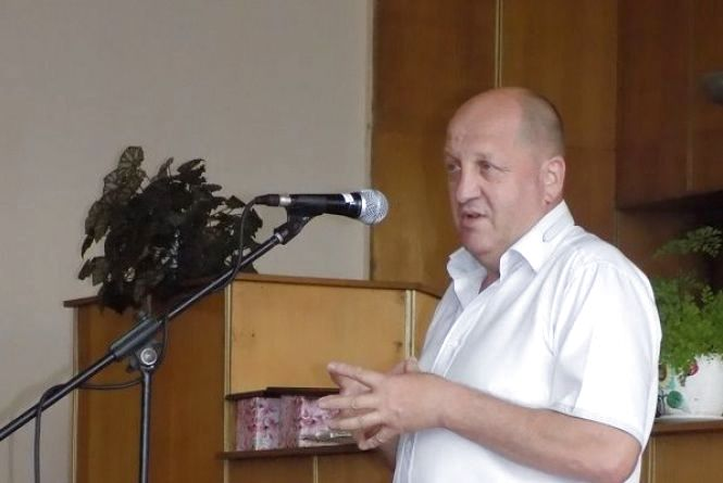 Керівні зміни: президент звільнив голову Віньковецької райдержадміністрації
