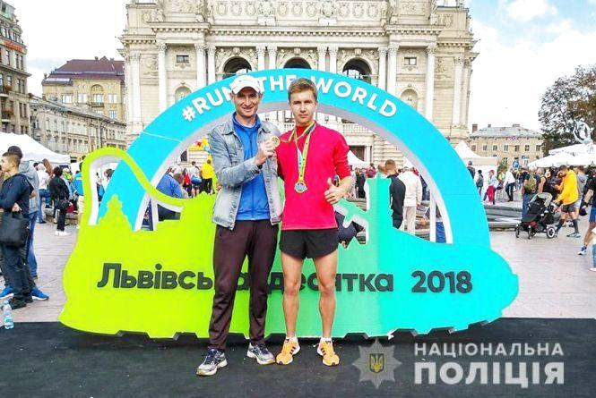 Хмельницький поліцейський став першим у чемпіонаті з бігу на 10 кілометрів