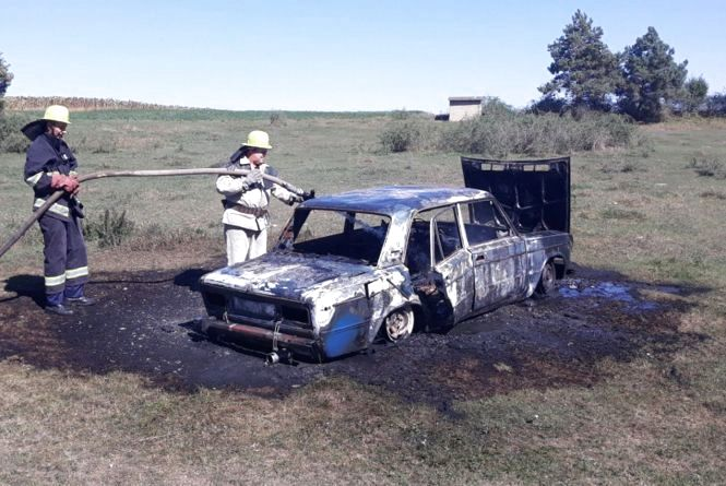 В Ярмолинецькому районі згорів автомобіль