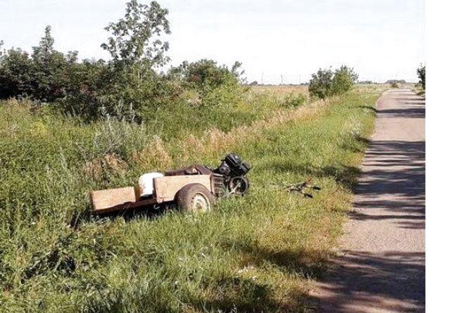 У Новоушицькому районі перекинувся мотоблок: загинув водій