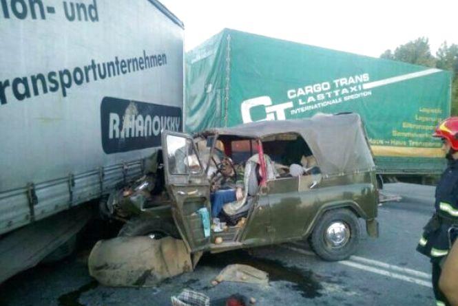 Двоє смертей на дорозі і четверо травмованих: хроніка ДТП у Хмельницькому