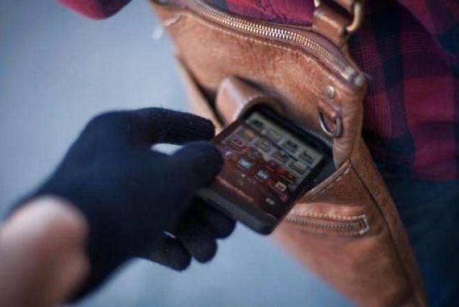 Пильнуйте за гаманцями: кишенькові злодії полюють на хмельничан в громадському транспорті