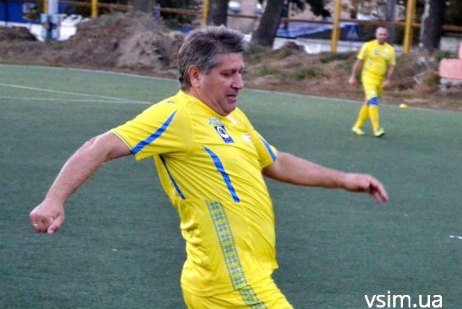 Незвичний турнір: у Хмельницькому зіграла збірна мерів України та зірки футболу