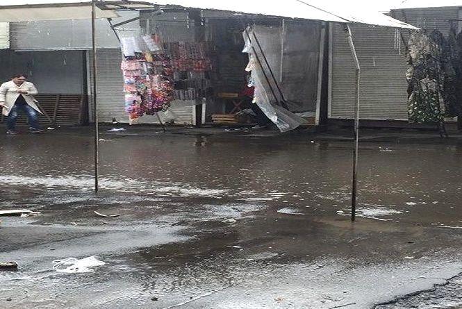 На Хмельниччині через шквальний вітер оголосили штормове попередження