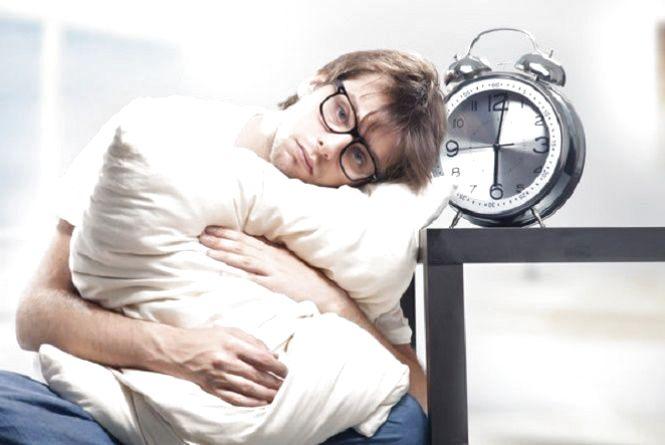 Перехід на зимовий час: коли в Україні переводять годинники та як до цього підготуватися