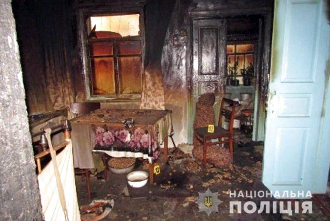 Вбивство заради наживи: на Шепетівщині внук забив каменем свою бабусю, а потім підпалив її будинок