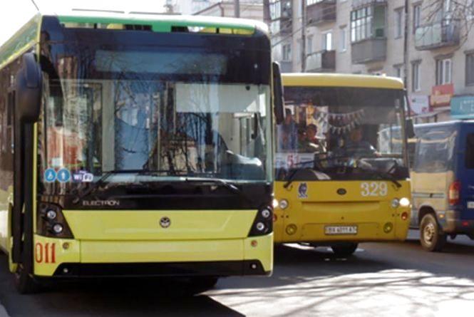 Хмельницький може купити 45 тролейбусів та 30 автобусів