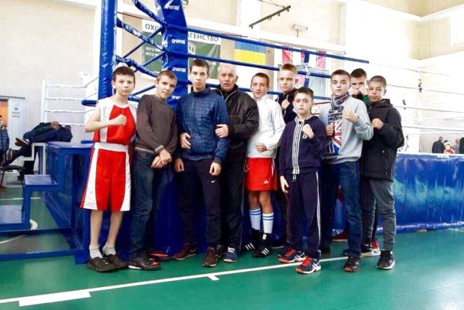Одразу вісім нагород привезли хмельницькі боксери з Чернівців