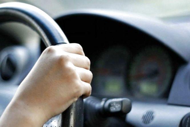 Понад 100 тисяч гривень штрафу заплатить хмельницький підприємець за нелегального водія