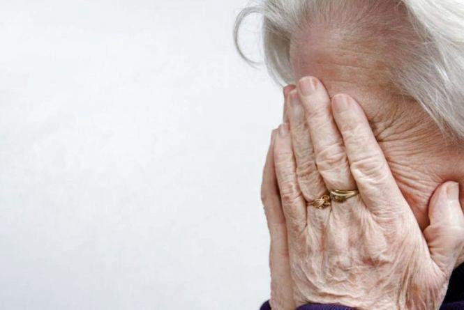 Три афери за добу: у Хмельницькому шахраї полюють на пенсіонерів