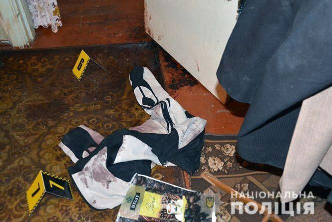 У Шепетівці жінка забила вітчима палицею: труп лежав у квартирі більше місяця