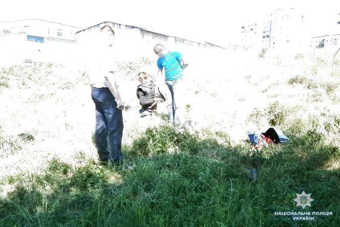 Напав на жінку та стріляв у поліцейських: 12 років за ґратами проведе 43-річний мешканець Славути