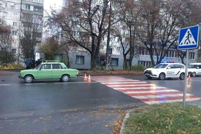 Потрійне зіткнення біля «Оазису» та збиті пішоходи: хроніка ДТП у Хмельницькому
