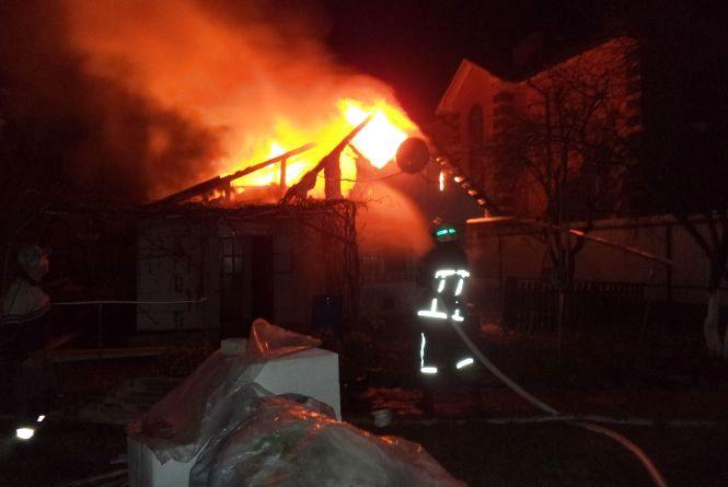 У Славуті згорів будинок