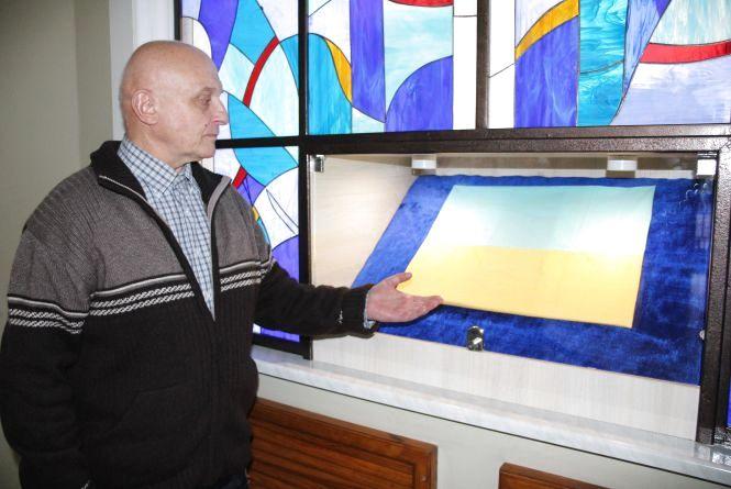 У Хмельницькому можна побачити синьо-жовтий прапор з особливою історією