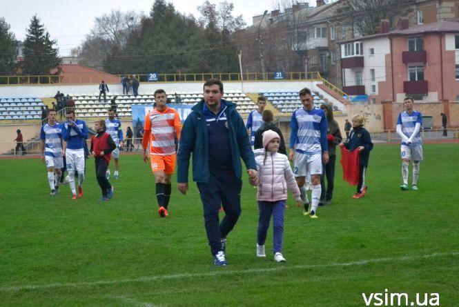 """""""Сухе"""" завершення футбольного року в Хмельницькому: """"Поділля"""" зіграло із """"Буковиною"""""""