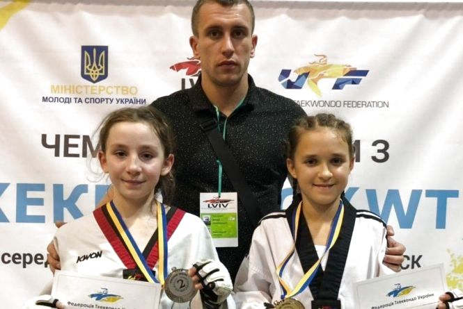 Хмельницькі тхеквондистки здобули золото чемпіонату України